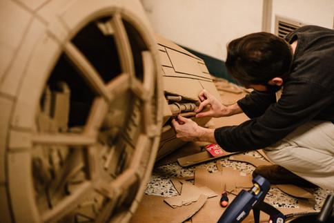 julie-lefort-photographe-photog-raphie-tournage-concert-portrait-friche-voyage-fontenay-sous-bois-vincennes-saint-mande-val-marne-carton-star-wars-jean-bodoc-4-020