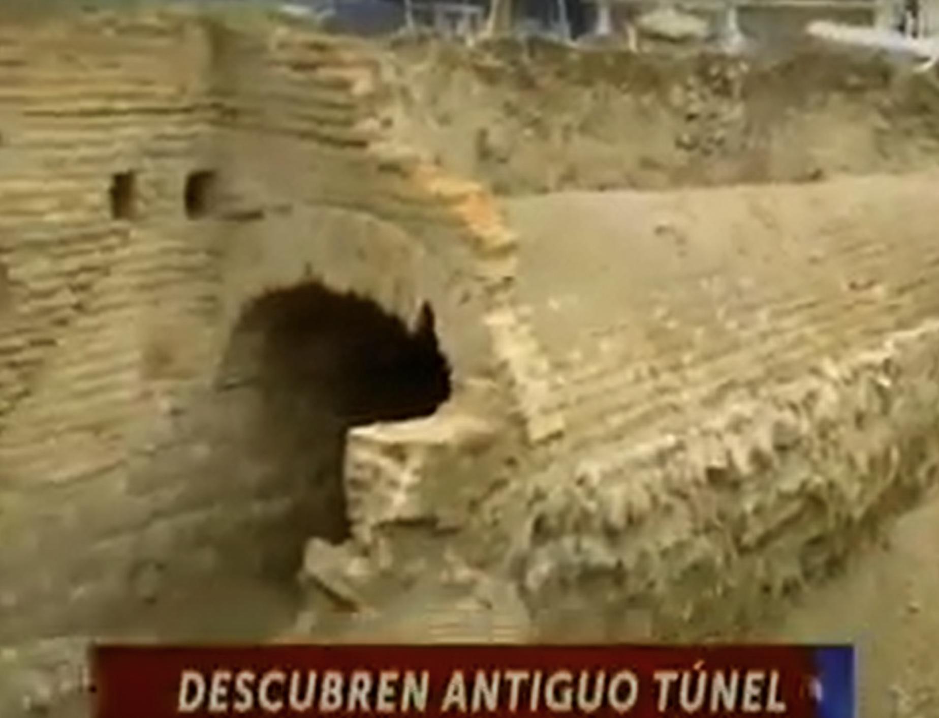 Descubren antiguo túnel.