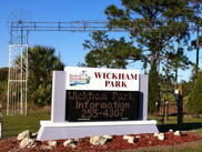 Wickham_Park_(Melbourne,_Florida)_sign_0