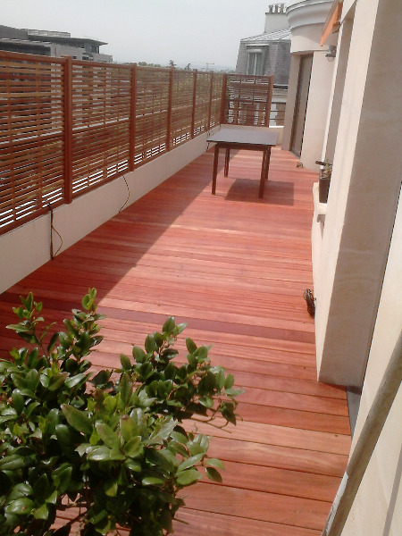 Terrasse-en-padouk-bruges