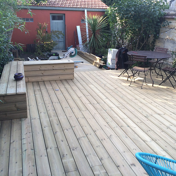 Terrasse-bois-sapin-bordeaux