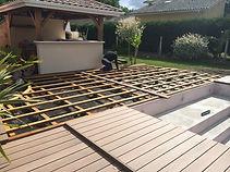Terrasse-en-cumaru-sur-ossature-a-double-structure-en-sapin-traite-saint-aubin-du-medoc