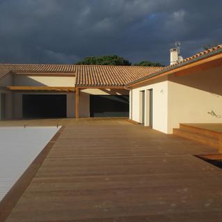 Terrasse-tour-de-piscine-en-bois-gradignan