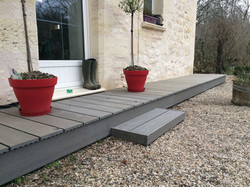 Terrasse-marches-bois-composite-silvadec-Saint-Aubin-du-medoc
