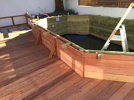 Terrasse-tour-de-piscine-bois-bruges