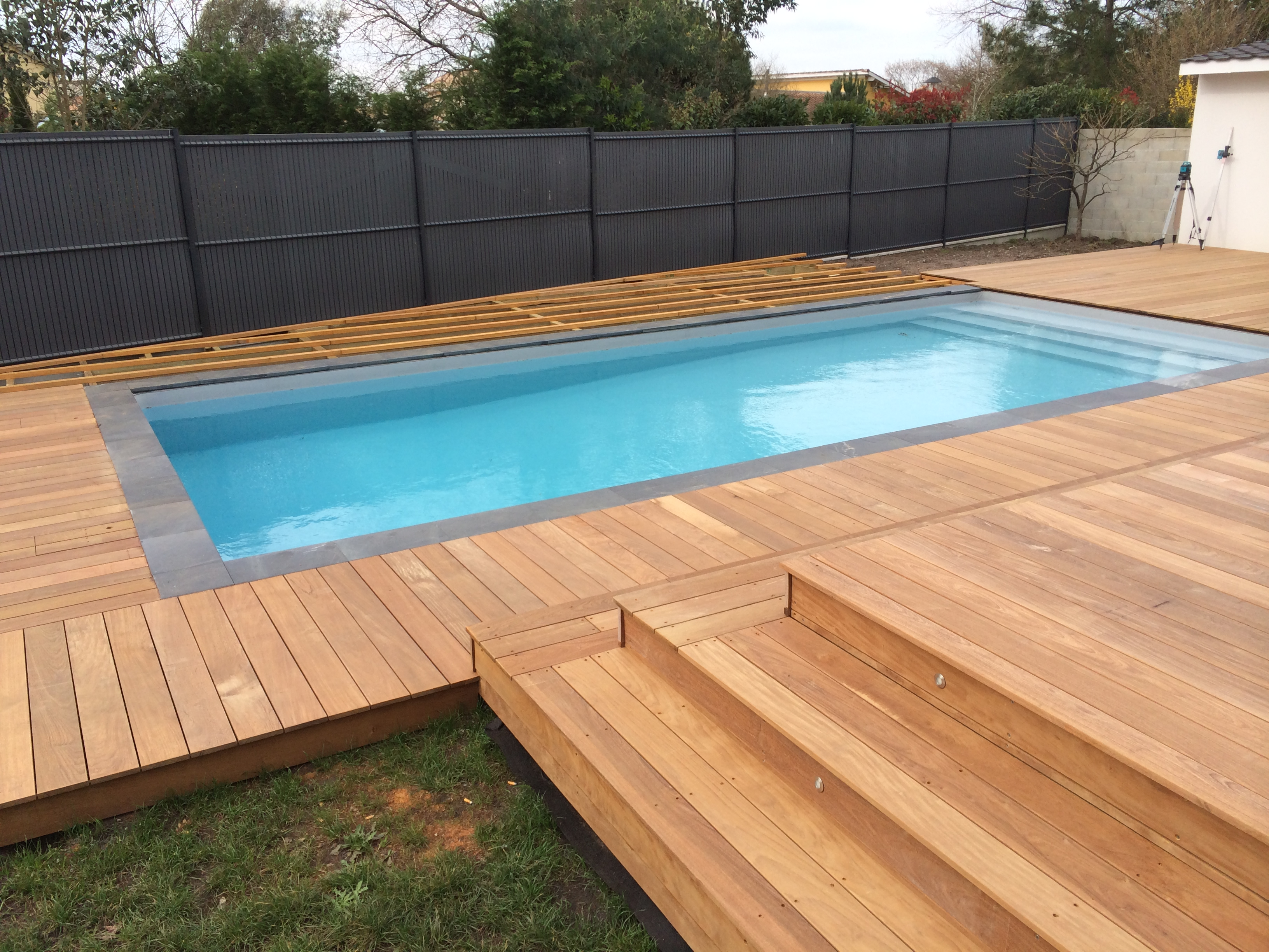 Terrasse-tour-de-piscine-bois-ipe-bouscat
