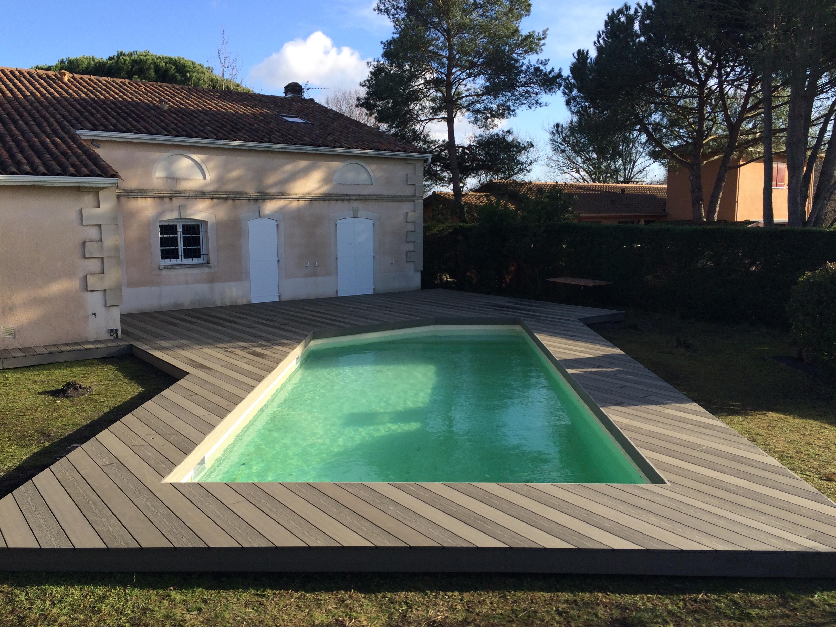 Terrasse-tour-de-piscine-bois-composite-silvadec-pessac
