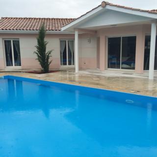 Terrasse-tour-de-piscine-Castelnau-de-Medoc