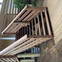 Terrasse-escaliers-bois-sapin-Maubuisson