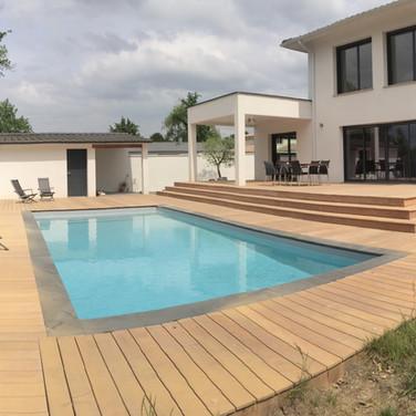 Terrasse-tour-de-piscine-en-ipe-au-Bouscat