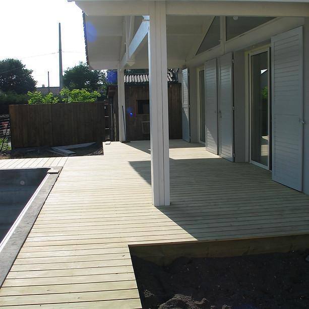 Terrasse-bois-sapin-bordeaux-terrasse-bois-et-composite