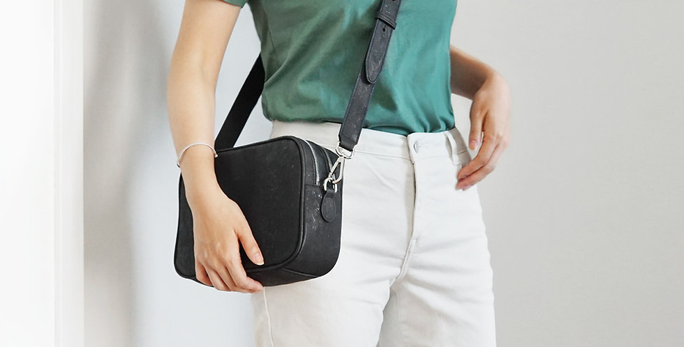 AMBER Crossbody Camera Bag