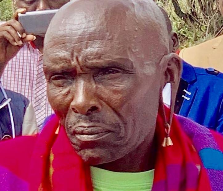 Older maasai men had ears elongated as in Tirian father
