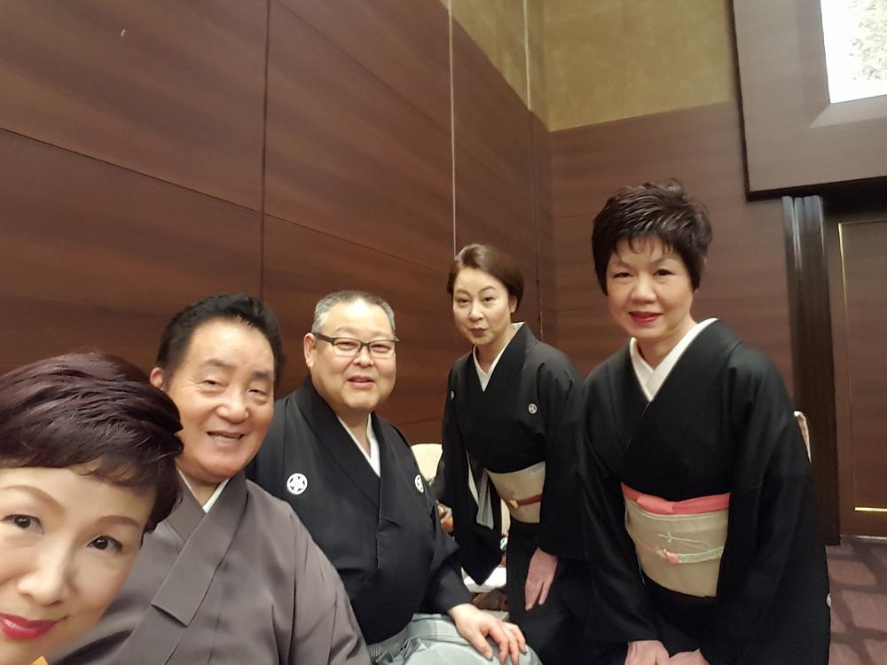 左から、根元美希・米谷威正・新井ふみ子・澤田勝幸