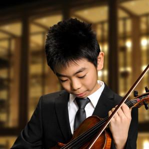1st Runner Up: Kento Hong - violin