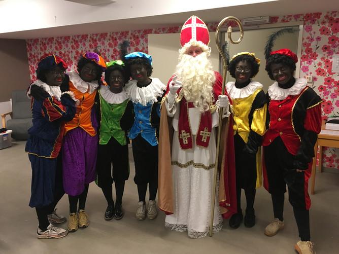 Geanimeerd Sinterklaasfeest in rusthuis