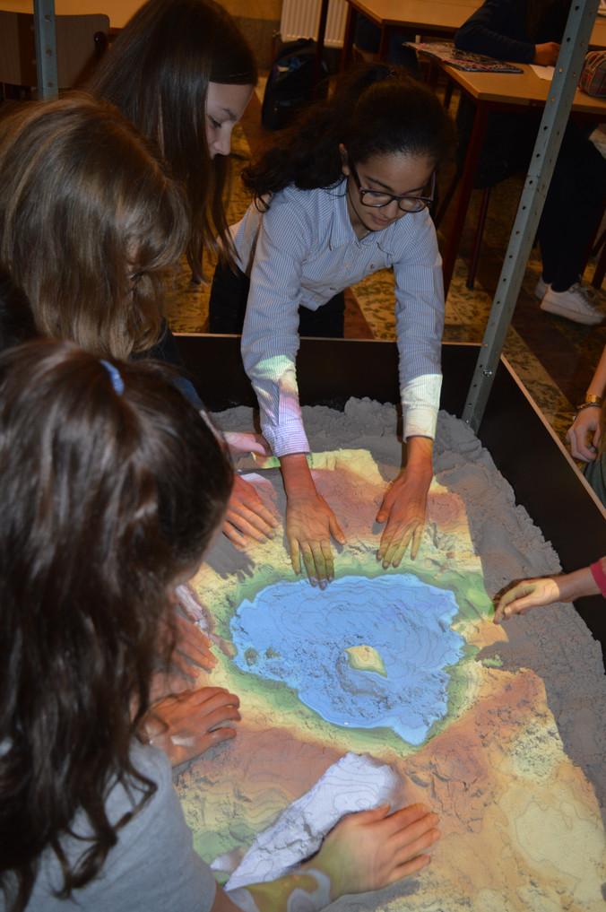 Leerlingen experimenteren met de Sandbox