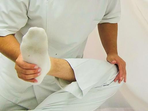 膝が痛くても優先的に足関節を治さないといけないときがある