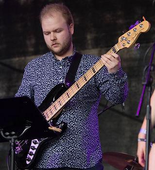 Simon Baldwin (bass)