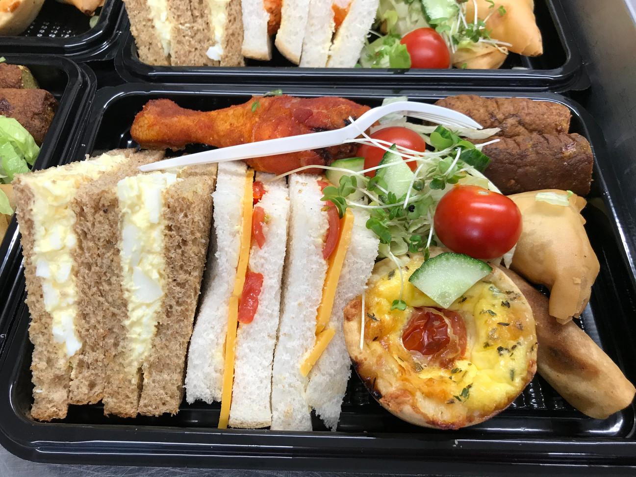 Classic buffet individual platter.jpg