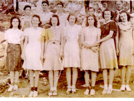 Who Are These 1930s Rising Fawn Teens?