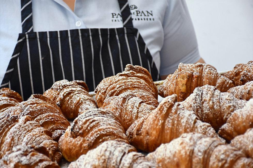 Croissant%20nutella%20charola_edited.jpg
