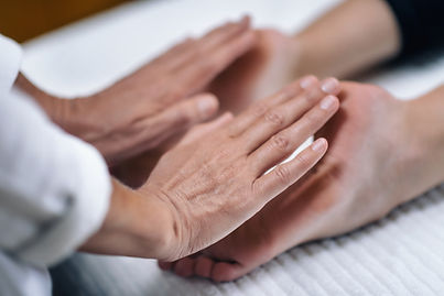 reiki-foot-treatment-A7N56F9.jpg