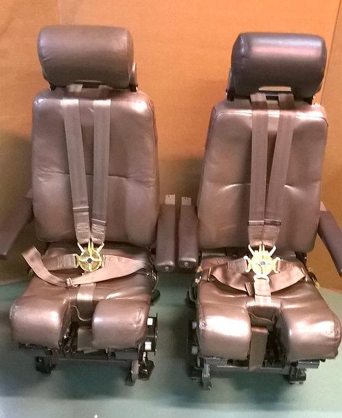 747 cockpit seats