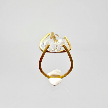 claw ring with transparent crystal