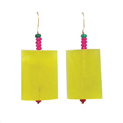 green stone candy−like earrings