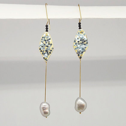 glitter & grey pearl earrings