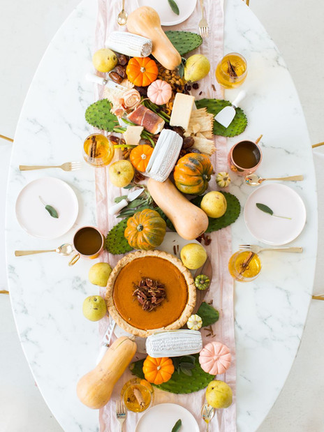 The Anatomy of the Thanksgiving Tablescape
