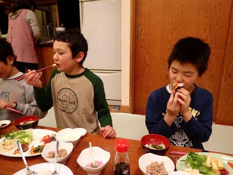 桃の節句・手巻き寿司大会!