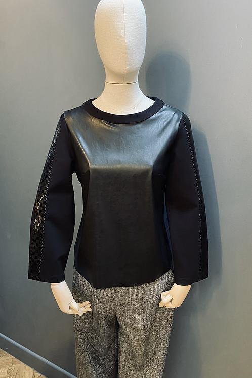 Hanita leatherette top
