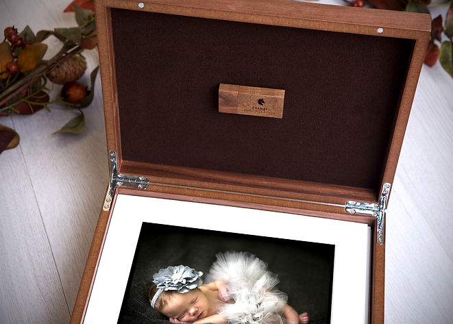 Wooden Folio 01a.jpg