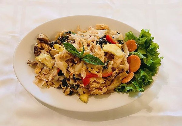 Drunken noodles with chicken - 13.95 bef