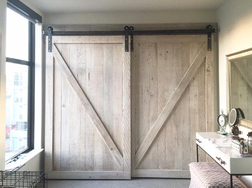 WHITE WASHED BARN DOORS/ MODER COOL