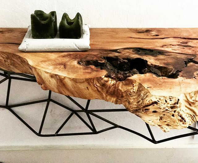 LIVE EDGE + METAL GEOMETRY