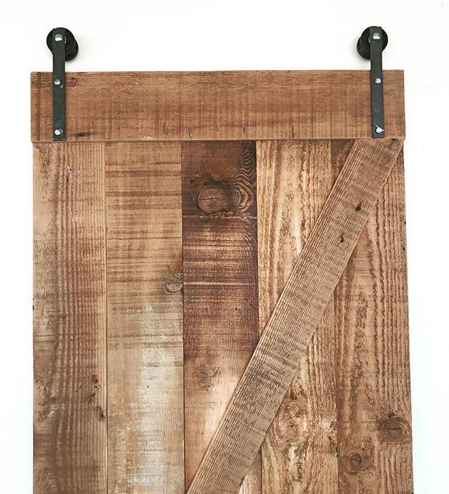 Reclaimed wood barn doors 🚪 custom made #statuswood #barndoor #reclaimedwoodfurniture #reclaimedwoo