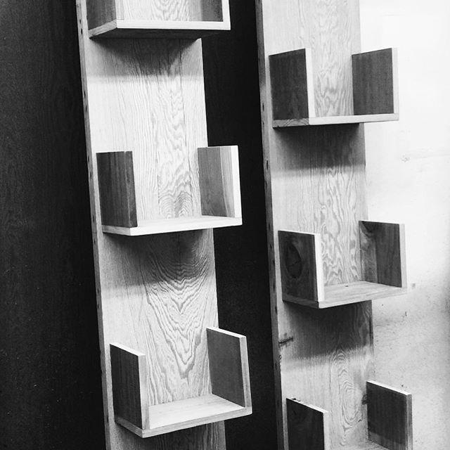 #Statuswood #bookshelf #handcraftedfurniture #uniquefurniture #walldecor #roomdecor #bookshelves #fu