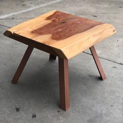 Redwood slab side table #statuswood #uni