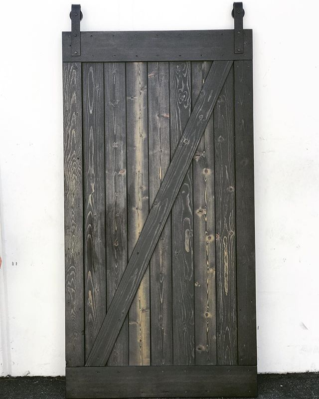 Custom made barn doors 🚪 #statuswood #barndoor #custommade #reclaimedwood #doordesign #modernrustic