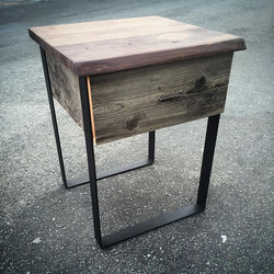 SIDE TABLE / MODERN RUSTIC COOL
