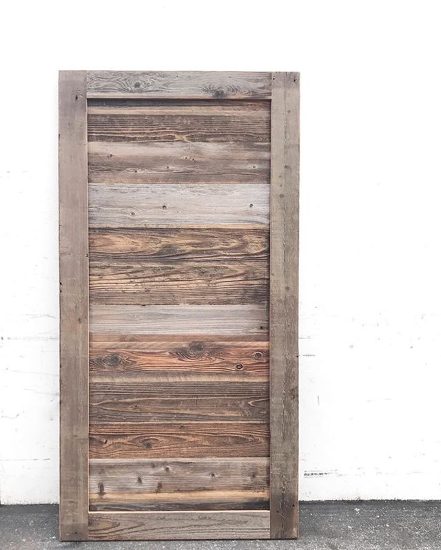 custom made #statuswood #barndoor #rusticdoor #rusticdecor #doordesign #rusticwood #reclaimedwooddo