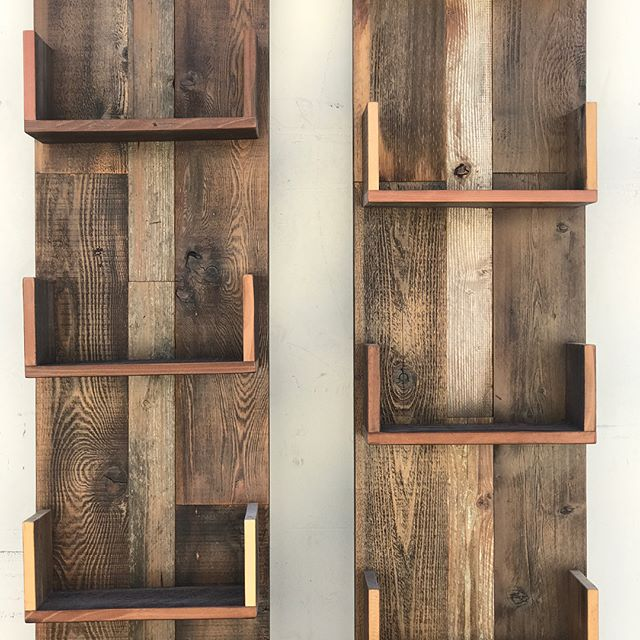 reclaimed wood design #statuswood #reclaimedwood #bookcase #bookstand #rusticcool #rusticwood #mode