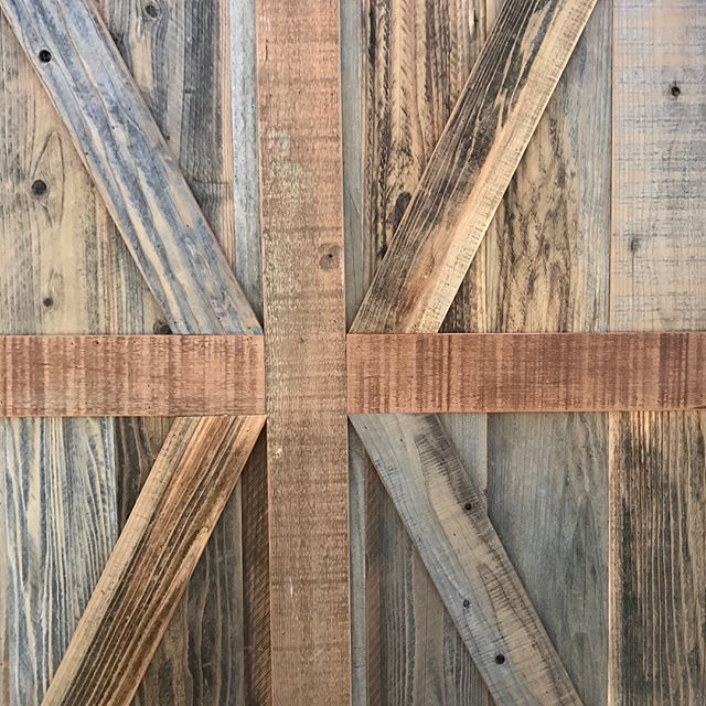 custom Barn Doors 🚪 X brace #statuswood #barndoor #door #reclaimedwooddoor #custommade #customdoors