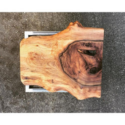 #statuswood #naturaledge #handcraftedfurniture #furniturestyle #furniture #table #tabledesign #walnu