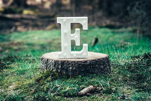 LED písmeno E