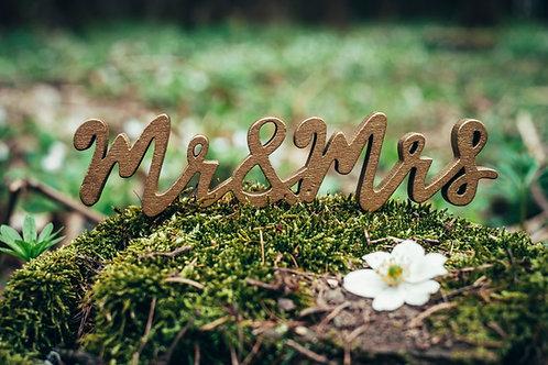Dekorační nápis Mr. & Mrs. zlatý