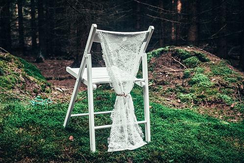 Krajkový přehoz na židle